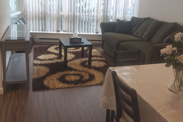 Amazing Condo Sleeps 4 In The Heart Of Downtown