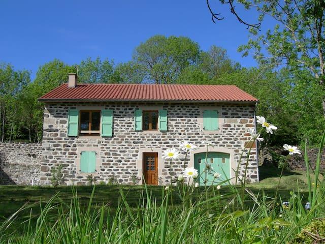 LOCATION SAISONNIERE 4-8 personnes - Le Monastier-sur-Gazeille - House