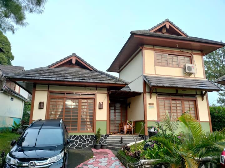 Villa Kota Bunga Puncak Cipanas Japanese