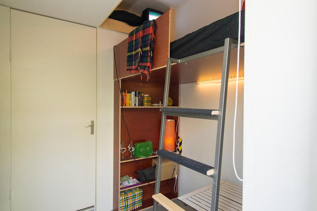 Te Kleine Slaapkamer : Kleine slaapkamer met hoogslaper appartementen te huur in