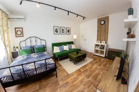 Тихая и уютная квартира в центре города.