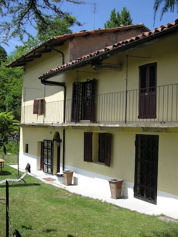 Traditional Piemonte house for rent - Bonvicino - Ev