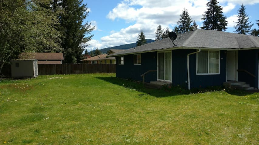 Family Friendly Neighborhood Duplex