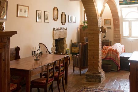 Charming Tuscan ancient house with big fireplaces - Cetona - Talo