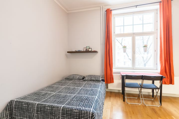 Cheap&GardenView in the ❤ of city - Helsinki - Apartament