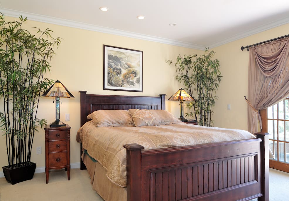 Our home is professionally cleaned before each stay, so you can be sure you'll have a clean, comfortable, relaxing stay.
