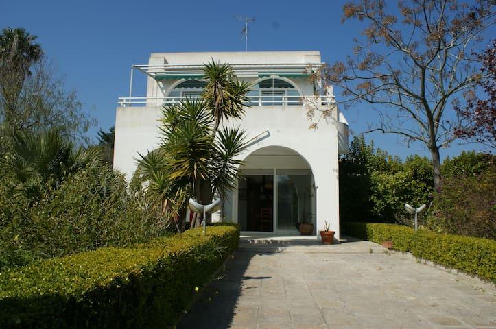 Villa bifamiliare immersa nel verde - San Cataldo di Lecce - Villa
