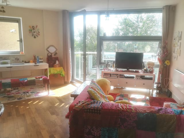 Centrally located Spacious Apartment in Newcastle
