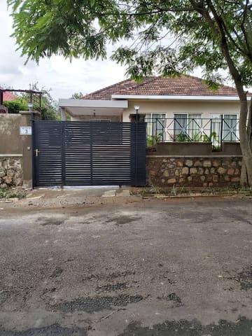 Nyarutarama house nest, brand new