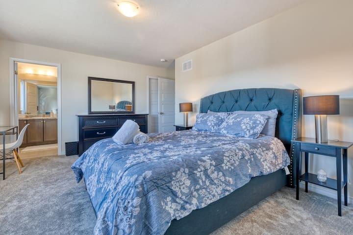 Comfortable queen mattresses!