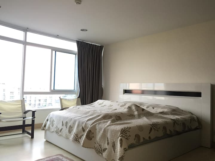 The beach Condominium Bang saen