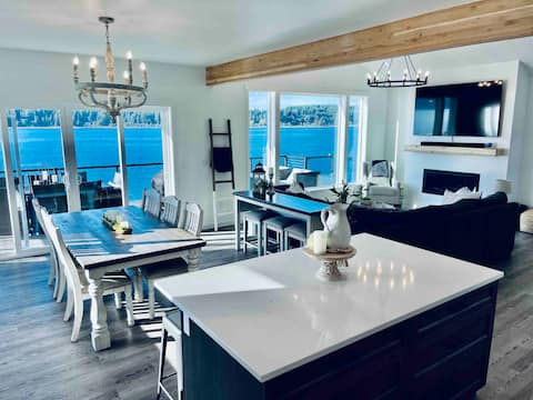Homeport @ Hood Canal New Luxury Waterfront Home