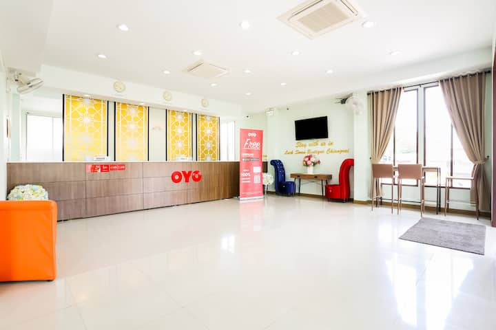 OYO Luck Swan Boutique/Monthly Room