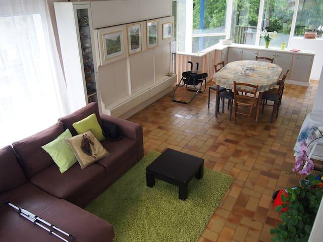 Petite chambre dans Villa proche Océan