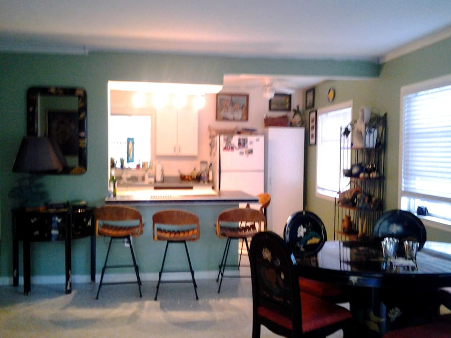 Breakfast bar and dining room