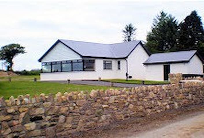 Heaven on a hill - Clashmore - House