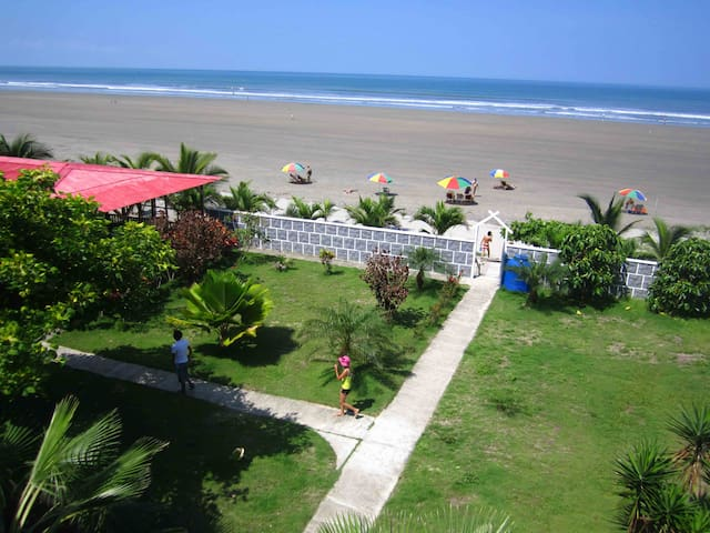 Beach vacation. Ecuador. 4p - Canoa - Haus