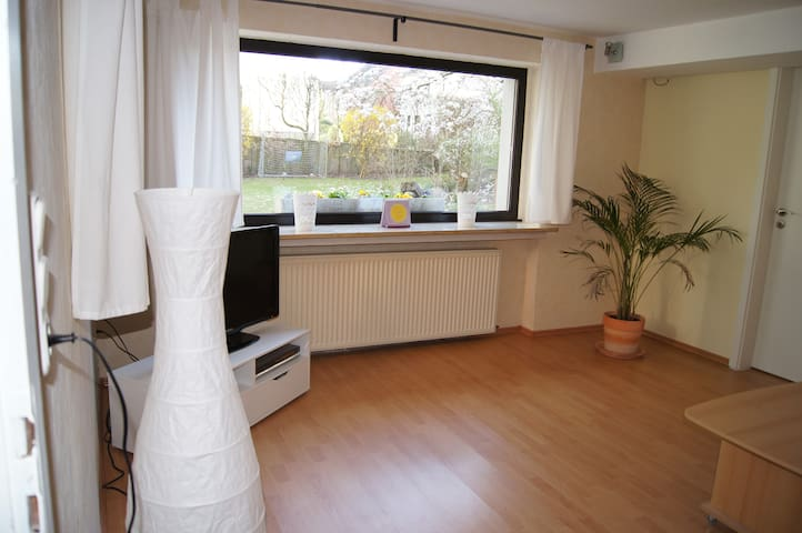 2room appartment with garden access - Brühl - Byt