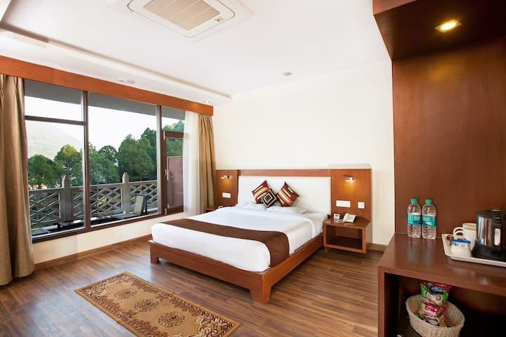 Deluxe room in Beautiful boutique property .
