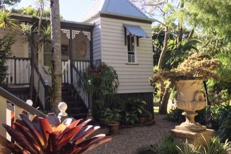 Charming Character Cottage in Maleny's Best Street