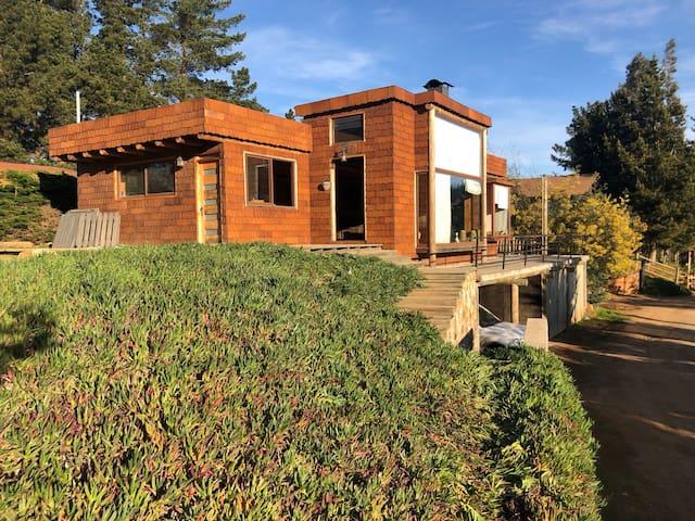 Hermosa casa en lago vichuquen