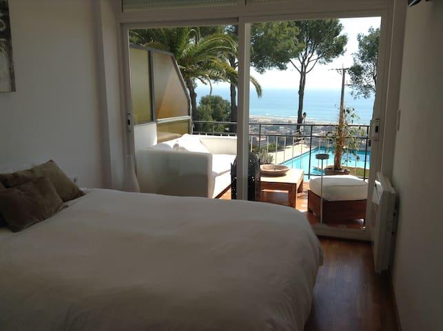 Apartamento de Lujo con Piscina - Castelldefels - Leilighet