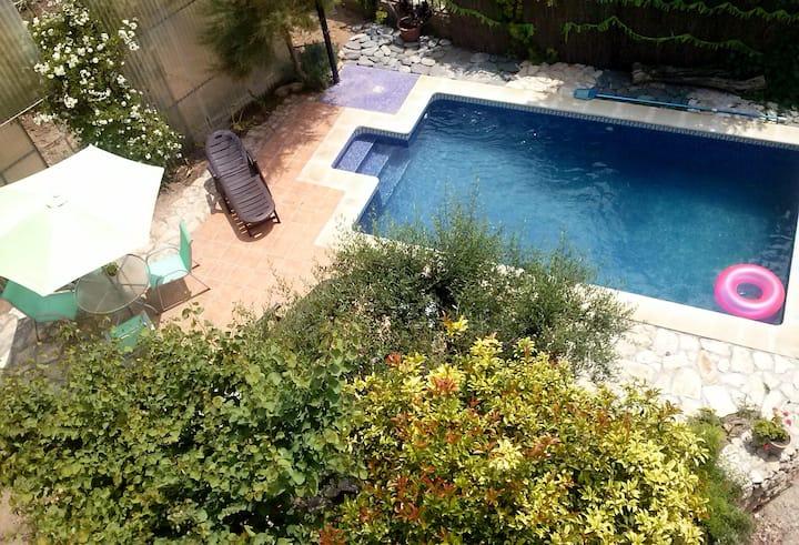 Hort de la Cinteta. Casa de pueblo con piscina