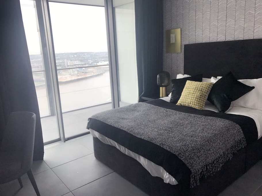 Brand new Master room with great riverside viewing, as well as big bathroom!