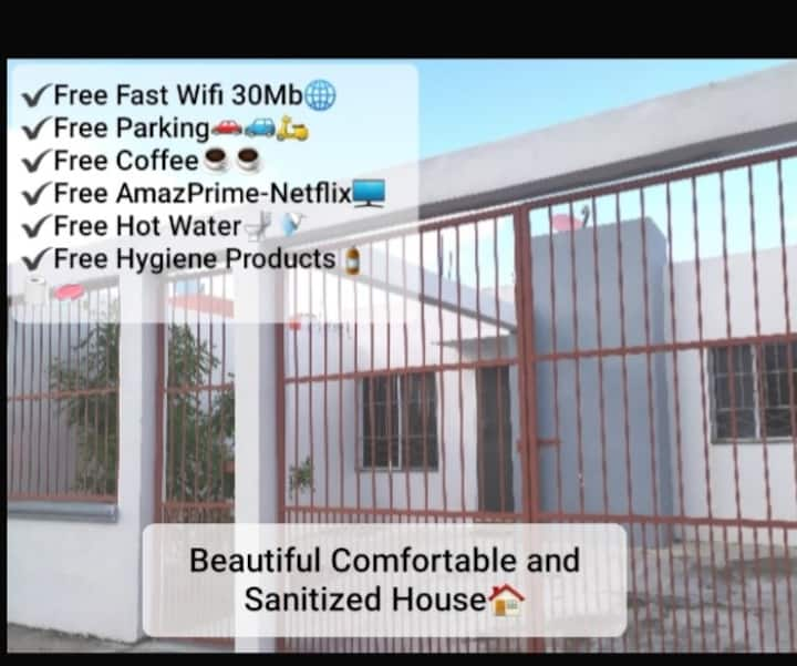 Comfortable/DisinfectedHouse A/c -TvWifi-HotWater