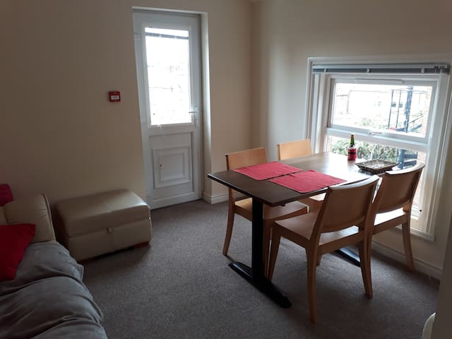 Large double room - Chester