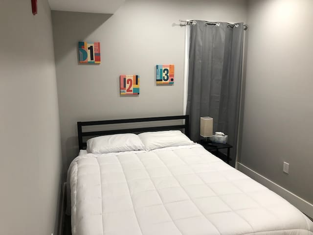 Comfy Room in Brand New Condo Near Center City