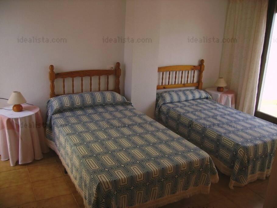 buhardilla cama de 1m 05,almario