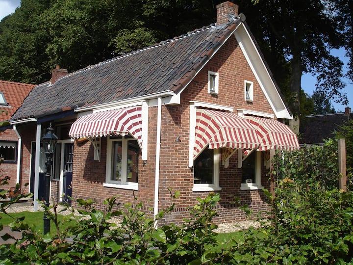 Knus en romantisch huisje Pierewaai