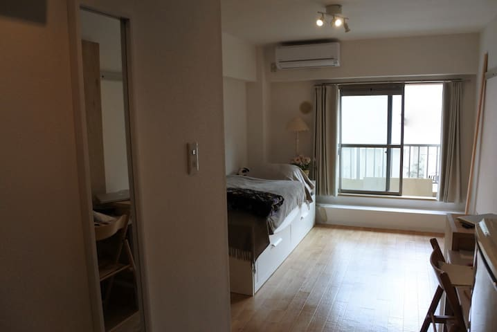 central Apartment at the river, 1 stop to Shibuya - Meguro - Apartment