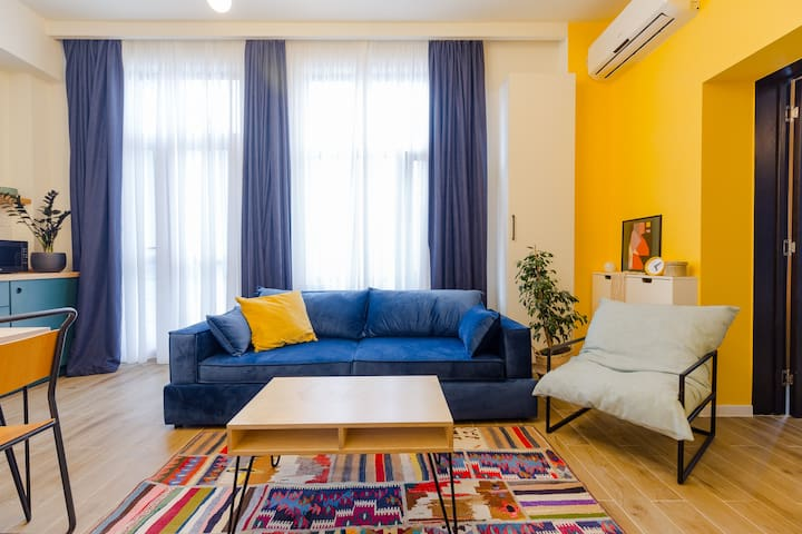♥ Colorful and cozy 1BR. apt. near the sea ♥