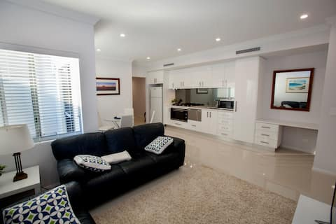 NEW LUXURY HOME PERFECT FOR COUPLES OR A FAMILY