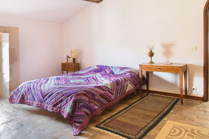 Bedrooms in medieval mansion, Viviers