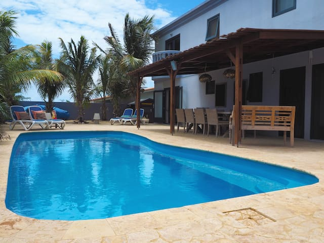 Oasis Guesthouse Bonaire DELUXE SUITE 1