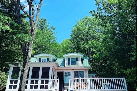 Catskills Lakehouse Retreat
