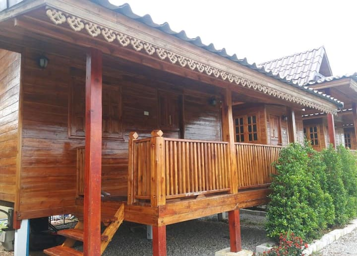 Wood cabin in Chiang Rai, free pick up