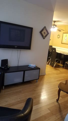Tv room no cable