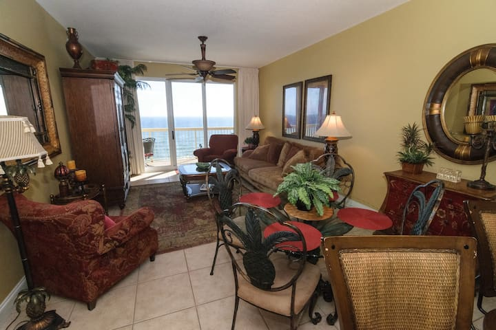 40% OFF MAY - 3BR/2BA Ocean Front w/ Beach Chairs