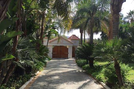 Beautiful Villa near Sea