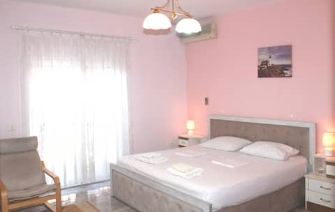 Nice luxury room with private toilette in a villa