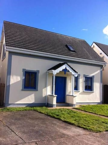 Glendale Chestnut Grove Holiday Home, Glendale, Rosslare Strand, Co.Wexford - 3 Bed - Sleeps 6