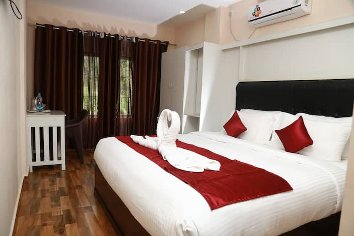 Deluxe A/C Room in the heart of Mananthavady