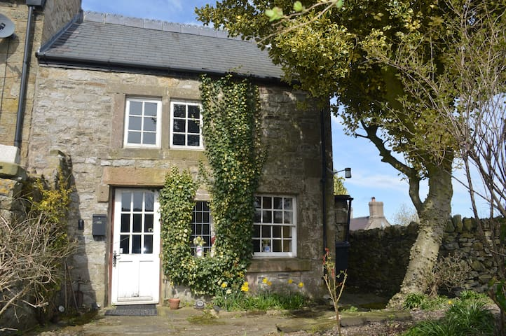 Old Lead Miners Cottages with stunning views - Wensley - Rumah