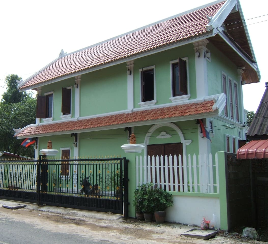 Fabulous free standing, modern clean secure Villa, suitable for 4 - 6 people.