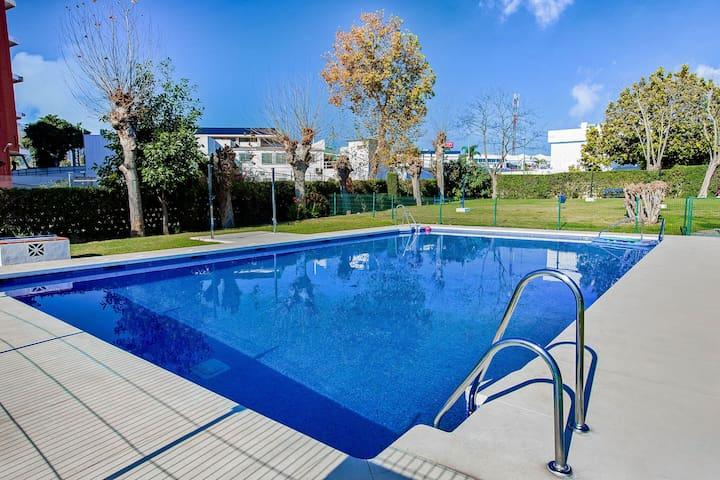 Pleasant Apartment in Torremolinos with Swimming Pool