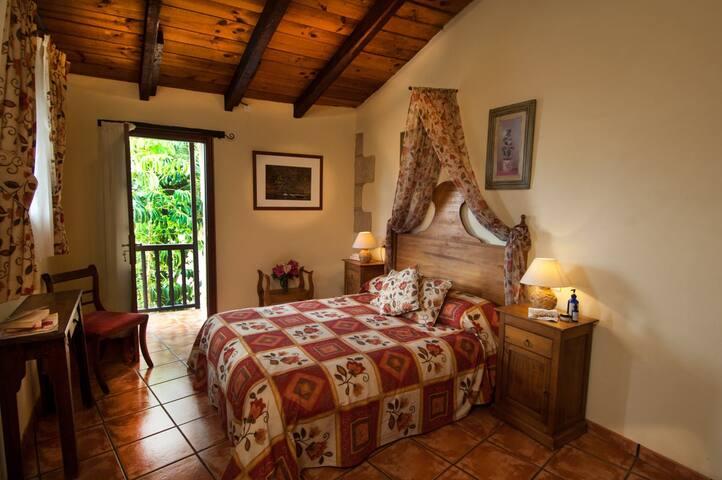 Hibiscus Cottage - La Bodega - villa